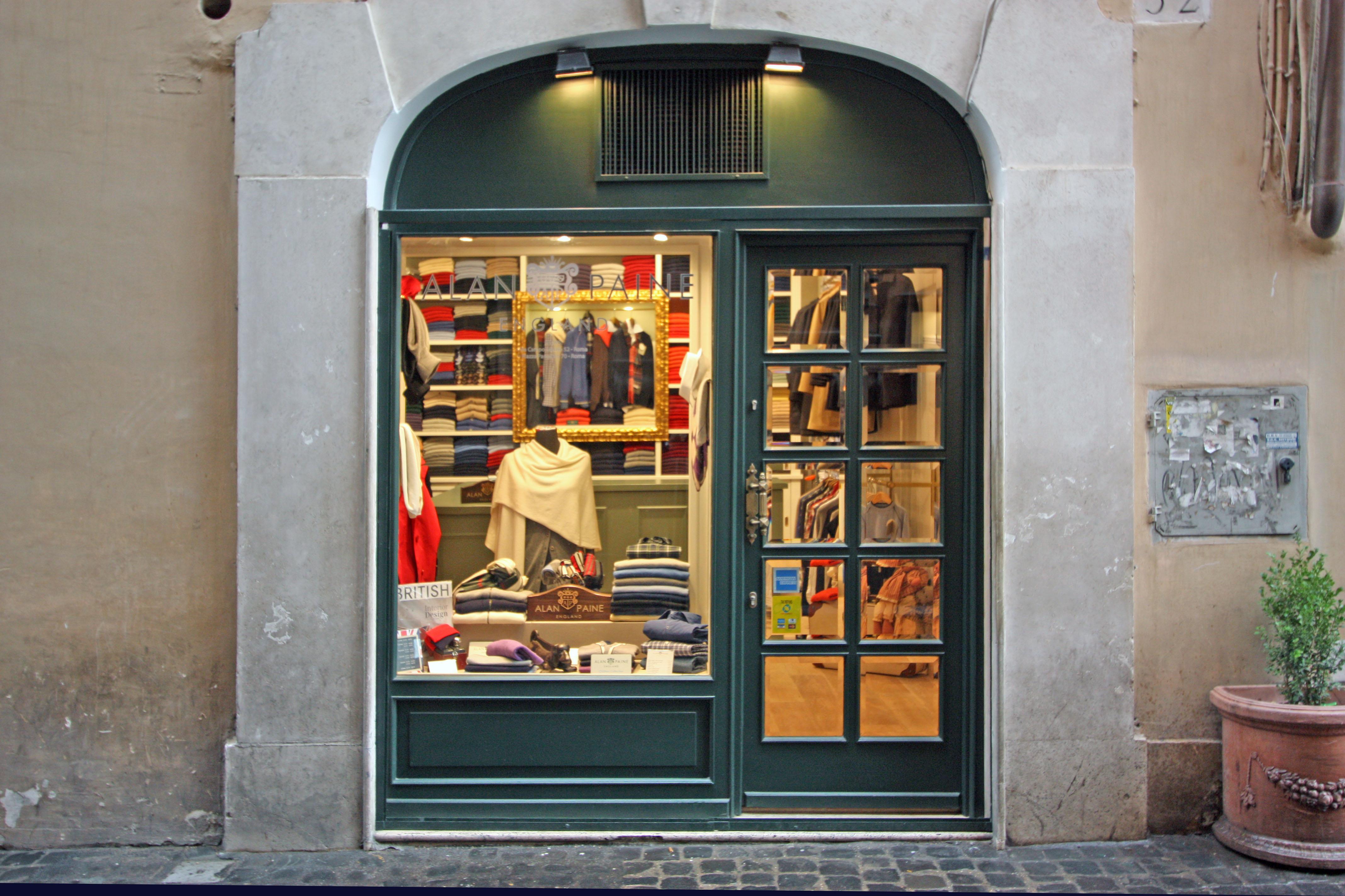 il negozio Alan Paine di via Campo marzio